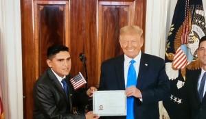 Robert Alcocer, 32 años, boliviano que fue parte del proceso de ciudadanización en la Casa Blanca, sin saber que esto sucedería en el marco de la Convención Nacional Republicana.