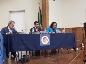 Asambleístas Miguel Santiago y Cristina García en audiencia pública en la Iglesia Resurrección.