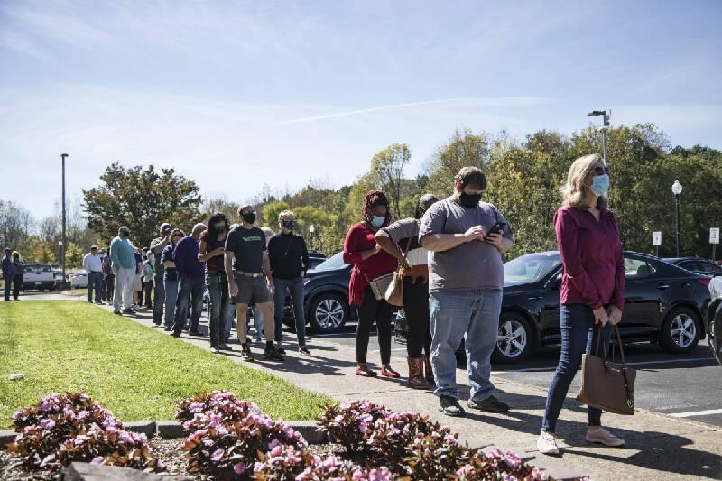 Largas filas para la votación anticipada rompen record en todo el país. Foto: htps://www.timesfreepress.com.