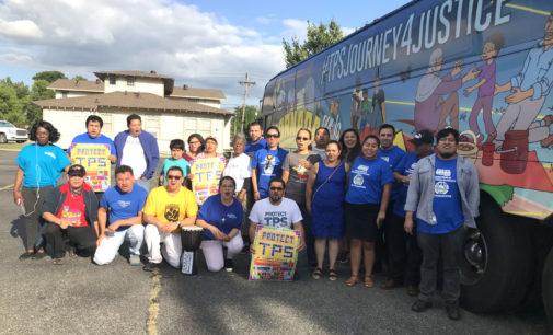 A su paso por Springdale la Caravana por la Justicia del TPS convidó a toda la región a unirse en la lucha por los derechos de miles de centroamericanos. Foto: Prensa Libre.