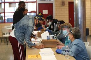 Votando por adelantado en Filadelfia. Foto: Spotlight PA.