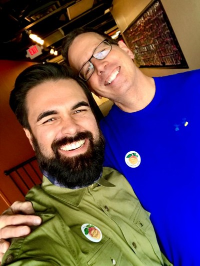 El activista Antonio Daza junto a Bill Bennett resalta la importancia del voto latino para las elecciones al Senado el próximo 5 de enero de 2021 en Georgia.