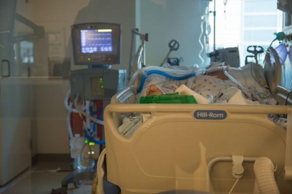 Un paciente infectado con el coronavirus en el Centro Médico LAC+USC.