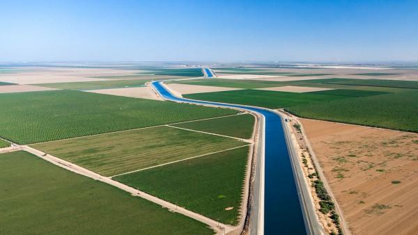 Las sequías expusieron la sed de agua subterránea de California. Ahora, el estado espera recargar sus acuíferos. Foto: https://www.sciencemag.org.