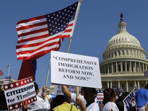 Inmigrantes marcharon a Washington, D.C. en apoyo a una reforma de inmigración. Foto: https://blogforarizona.net.