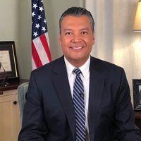 Foto: Senador demócrata Alex Padilla. Foto: Oficina del senador Padilla.