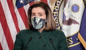 La líder de la mayoría demócrata en la Cámara de Representantes, Nancy Pelosi, al frente de las discusiones y debates.