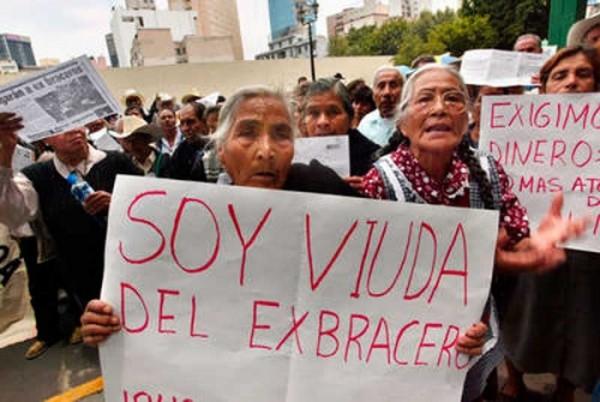 A 60 años de la estafa que el gobierno de México cometió contra los braceros, sus viudas y familiares siguen reclamando justicia. Foto: https://elnorteabriendofronteras.com.