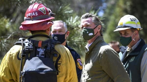 En su visita al Condado de Fresno el gobernador de California, Gavin Newsom anuncia medidas preventivas contra temporada de incendios. Foto: https://mooresvilletribune.com.