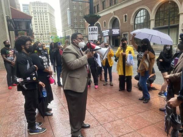 Protestas en las calles del Centro de Atlanta por La firma de la Ley SB202 que limita el voto de las minorías.