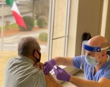 Los ciudadanos de cualquier nacionalidad pueden recibir la vacuna contra el covid-19 en el Consulado de México en Atlanta.