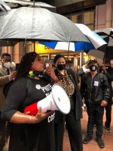 Activistas y manifestantes contra la ley que suprime el voto de las minorías en Georgia afirman que su voz no será silenciada.