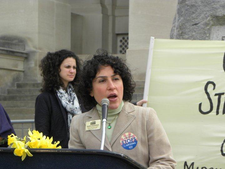 Azadeh N. Shahshahani es Directora de Asistencia Legal de Project South.