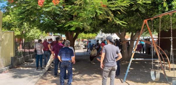 En una casilla electoral en Hermosillo, Sonora, donde los electores hicieron fila bajo temperaturas a veces de más de 110 grados Fahrenheit. Foto: Cortesía de Odet Fuentes.