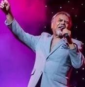 Little Joe Hernández, líder musical e ícono del Tex-Mex, la música más populares en la industria de la música texana. Foto: https://www.arts.texas.gov.