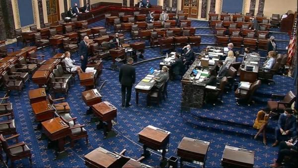 Después de varias largas noches en el Capitolio y semanas de negociaciones, faltan horas para que el proyecto de ley sea aprobado en el Senado, donde luego pasará a la Cámara de Representantes. Foto: ABC News.