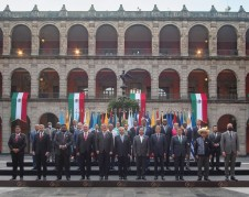 Frente a Palacio Nacional de la Ciudad de México, los mandatarios y Cancilleres de la Comunidad de Estados de América Latina y el Caribe, Celac. Foto: Presidencia de México.