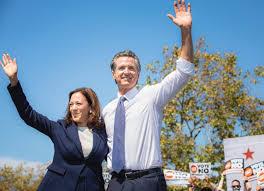 La vicepresidenta Kamala Harris con el gobernador Gavin Newsom en San Leandro, California, el miércoles 8 de septiembre de 2021. Foto: Cortesía de la oficina del vicepresidente.