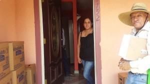 Marisela Corona acaba de perforar un pozo por casi 30 mil dólares. Foto: Rubén Tapia.